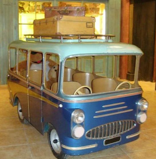 autobusmanegedeuxvolants1950.jpg