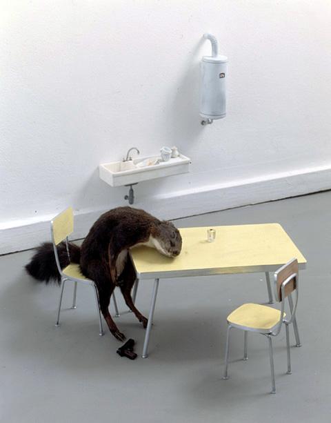 Lacan devant Spinoza, Création - Dissolution / l'Unebévue n°29 dans Flux maurizio-cattelan-99