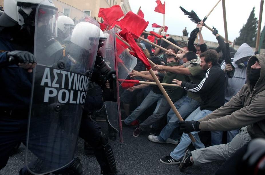 Grèce : destruction programmée d'un pays - entretien avec Stathis Kouvélakis / la Revue des Livres dans Agora grece