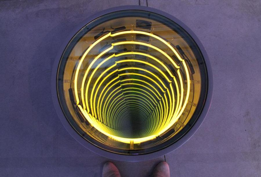 navarro-man-hole Alain Brossat dans Flux