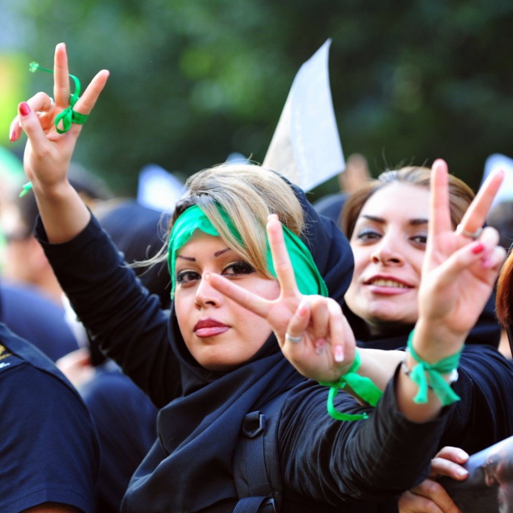 Arrêtons sanctions et embargo contre l'Iran / Parham Shahrjerdi et Jean-Luc Nancy dans Agora iran