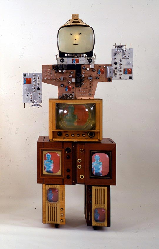 Nam-June-Paik-Uncle-1986-540x843