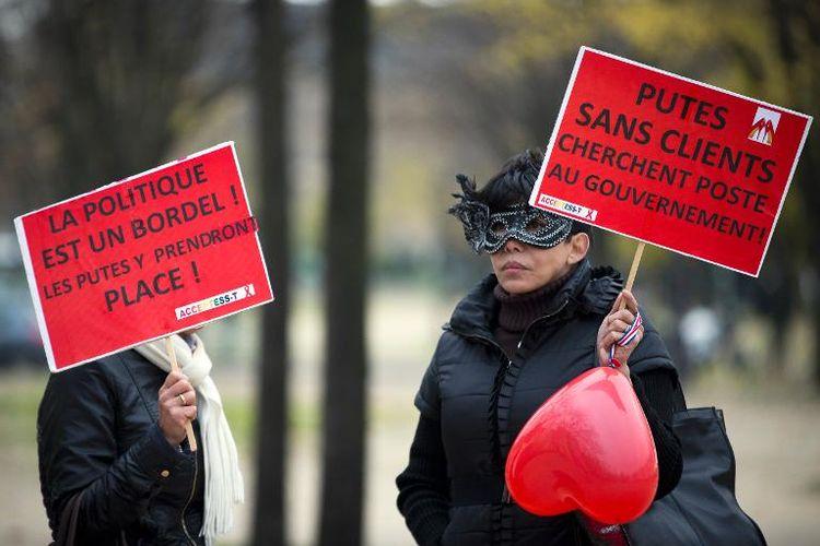 601715-manifestation-contre-le-projet-de-loi-visant-a-penaliser-les-clients-des-prostituees-le-29-novembre-